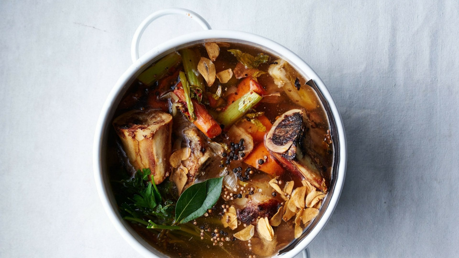 beef bone broth, broth, winter, soups, stews, beef, cooking, recipes, eat clean, healthy, meal ideas, winter cooking, fall, harvest, eat clean, clean eating, quick meals